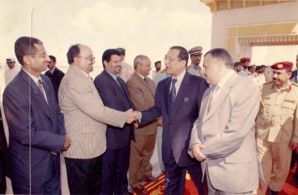 مع رئيس الوزراء السابق عبدالقادر باجمال