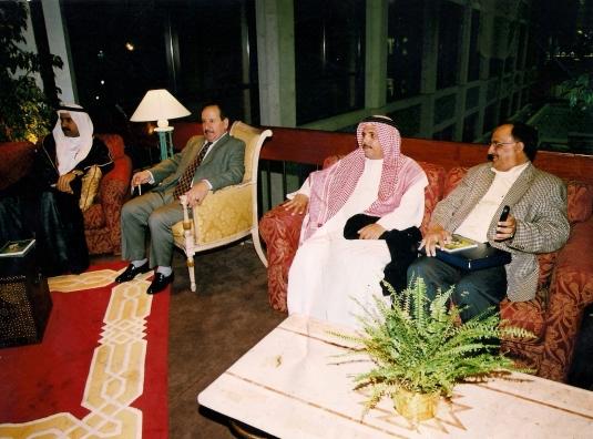 مع قاسم الشرفي ومعالي وزير العمل صقر غباش