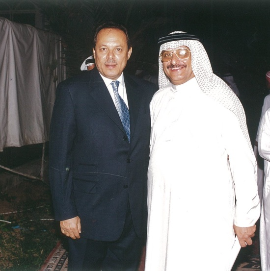 مع الرئيس السابق علي ناصر