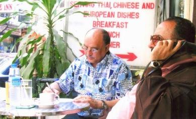 يكتب مقال الغد خلال أحدى رحلاته في تايلاند